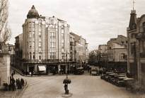 Южната част на площад Джумаята (Княз Борис) с началото на улиците Отец Паисий и Александър І 1930-1940г.