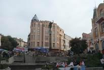Южната част на площад Джумаята (Княз Борис) с началото на улиците Отец Паисий и Александър І 24.X.2009г.